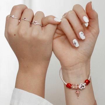 """🔺15% en toda la web🔺Mira nuestros anillos de PANDORA 💘 Para decir """"te quiero"""" siempre es un buen momento.😍 Díselo con su anillo favorito de su marca favorita. 💕 . . Aprovéchate de nuestras REBAJAS. ¡Nos hemos vuelto locos! Entra en nuestra web y echa un ojo, se acaba el tiempo. ⏳ En nuestra tienda física de 📍Alzira también podrás encontrar una gran variedad de marcas y tendrás un asesoramiento personalizado, que ya sabemos que a veces cuesta un poco decidirse. 😜 ¡Te estamos esperando! . . . #pandora #rebajas #anillo #ring #descuento #corazon #heart #amor #regalo #detalle #novia #couple #tendencia #outfitoftheday"""